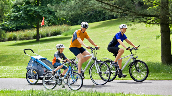 Federation European Cyclists Children cycling CC BY 2.0 klein